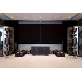 Шесть моноблоков Karan Acoustics KA M 2000 и акустика German Physiks The Emperor MK II